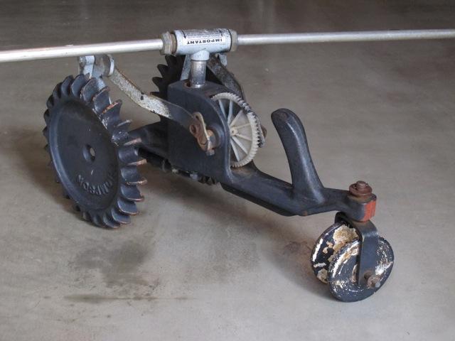 画像1: Lawn sprinkler Tractor