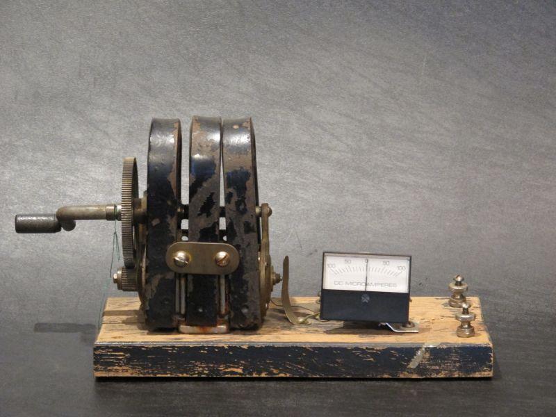 画像1: Hand Crank Generator
