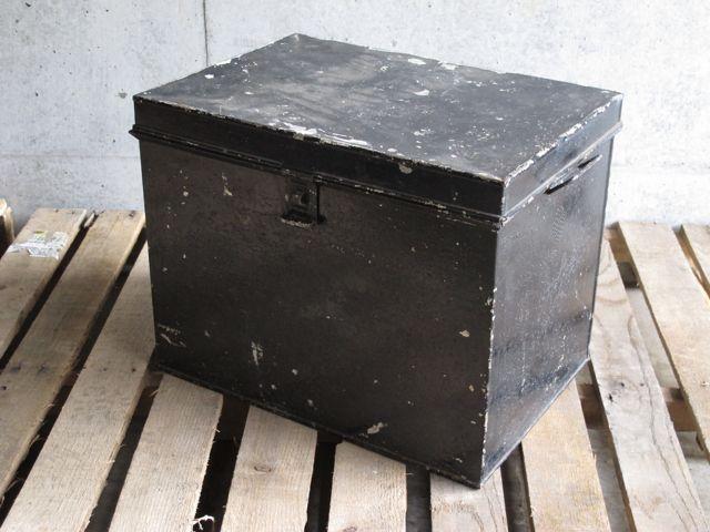 画像1: Black Metal Box