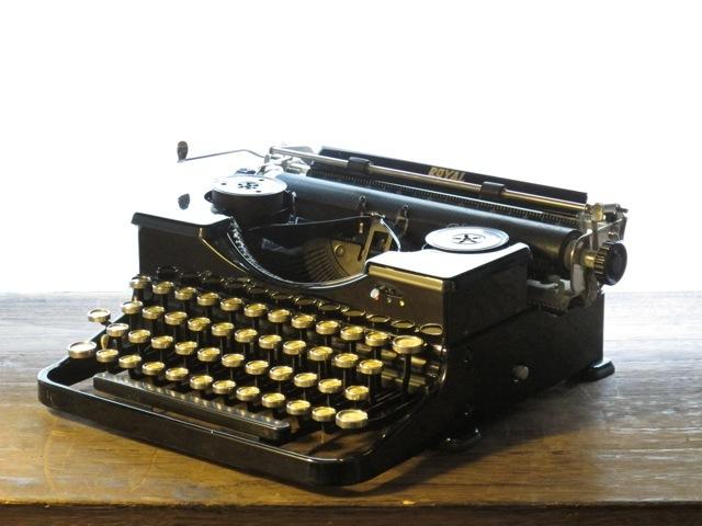 画像1: ☆アンティーク タイプライター☆Royal Portable 1920