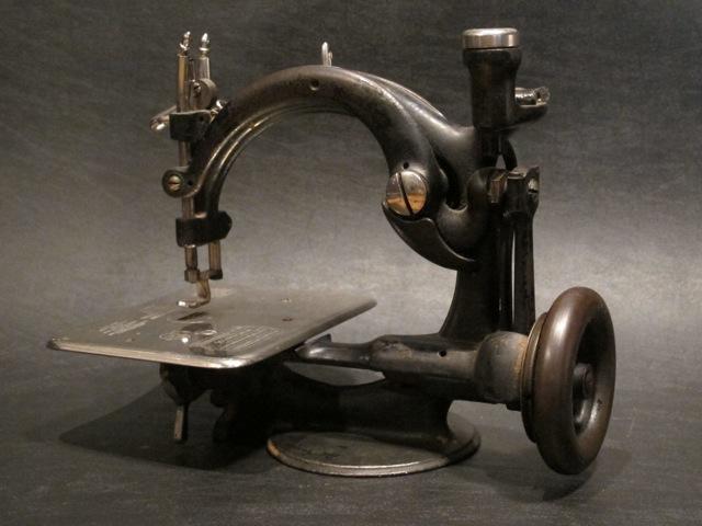 画像1: WILLCOX & GIBBS Sewing Machine
