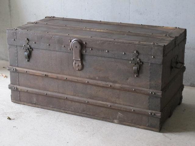 画像1: Vintage Iron Box