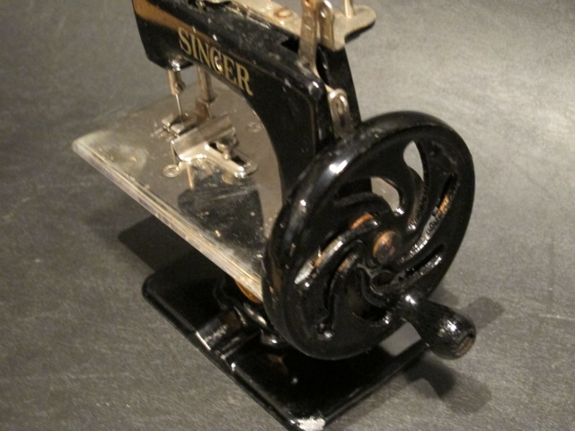 画像3: SINGER CHILDS SEWING MACHINE
