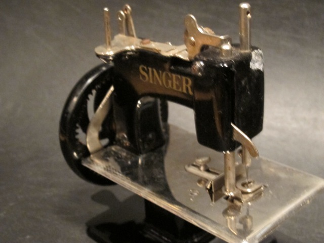 画像4: SINGER CHILDS SEWING MACHINE